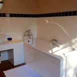 Bathroom, Onze Rust: Gladys' Suite